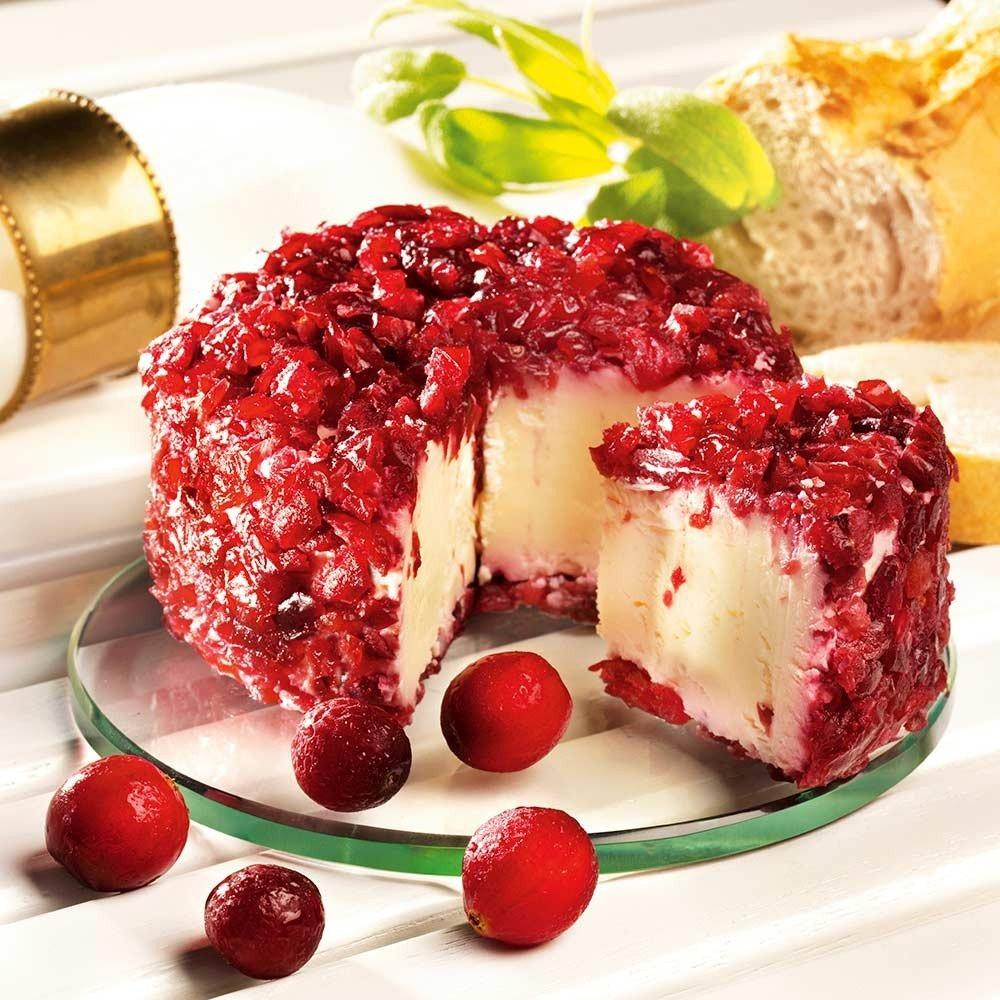 Käse Brillat Savarin Cranberry aus dem Burgund, im Stück